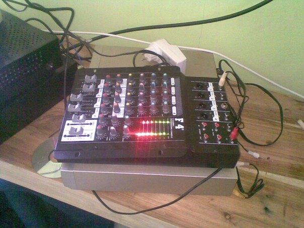 peralatan radio